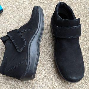 Easy Spirit Black Leather Velcro Booties Size 5.5M
